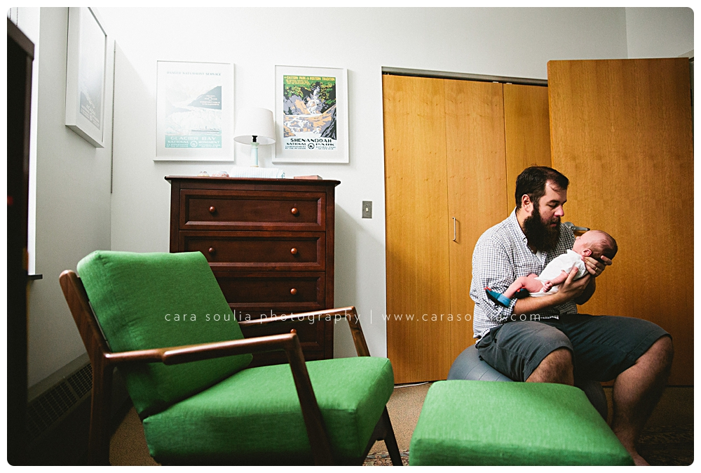 colorful-beautiful-newborn-photos-in-your-home-boston