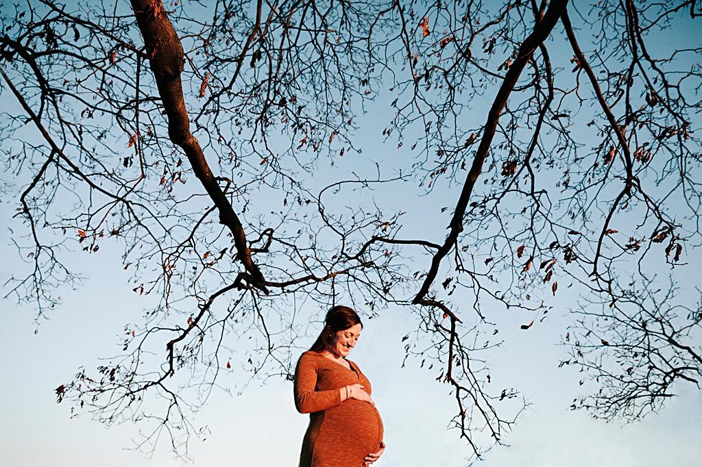 Unique and dramatic maternity portrait at Larz Anderson Brookline