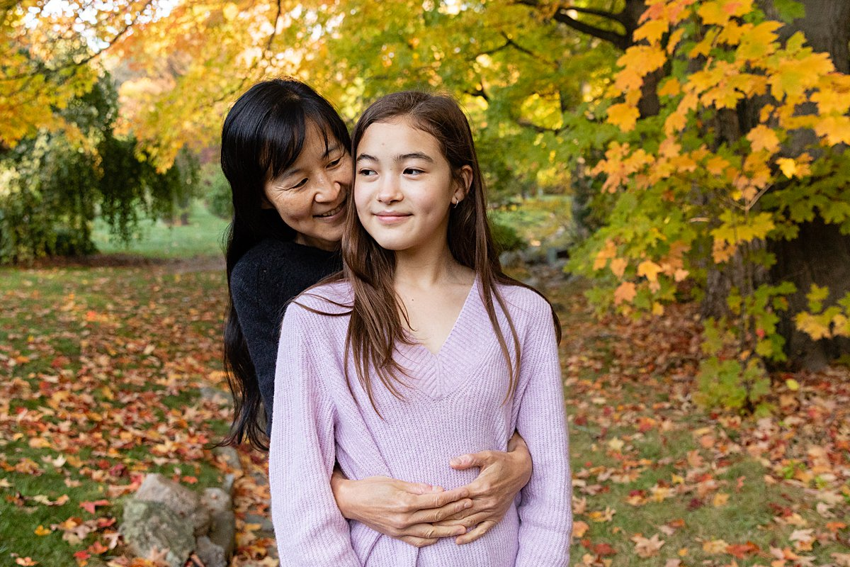 mom with teen daughter in boston photo session