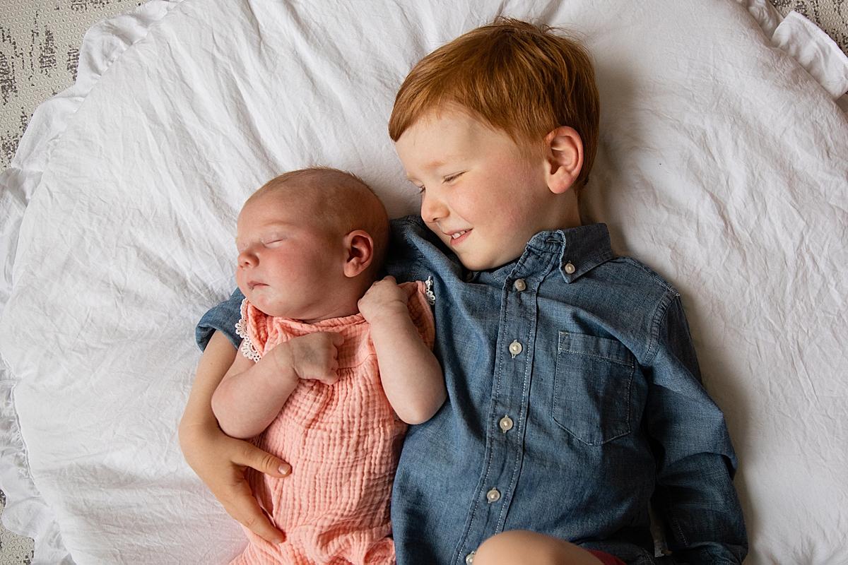 siblings in wellesley newborn session
