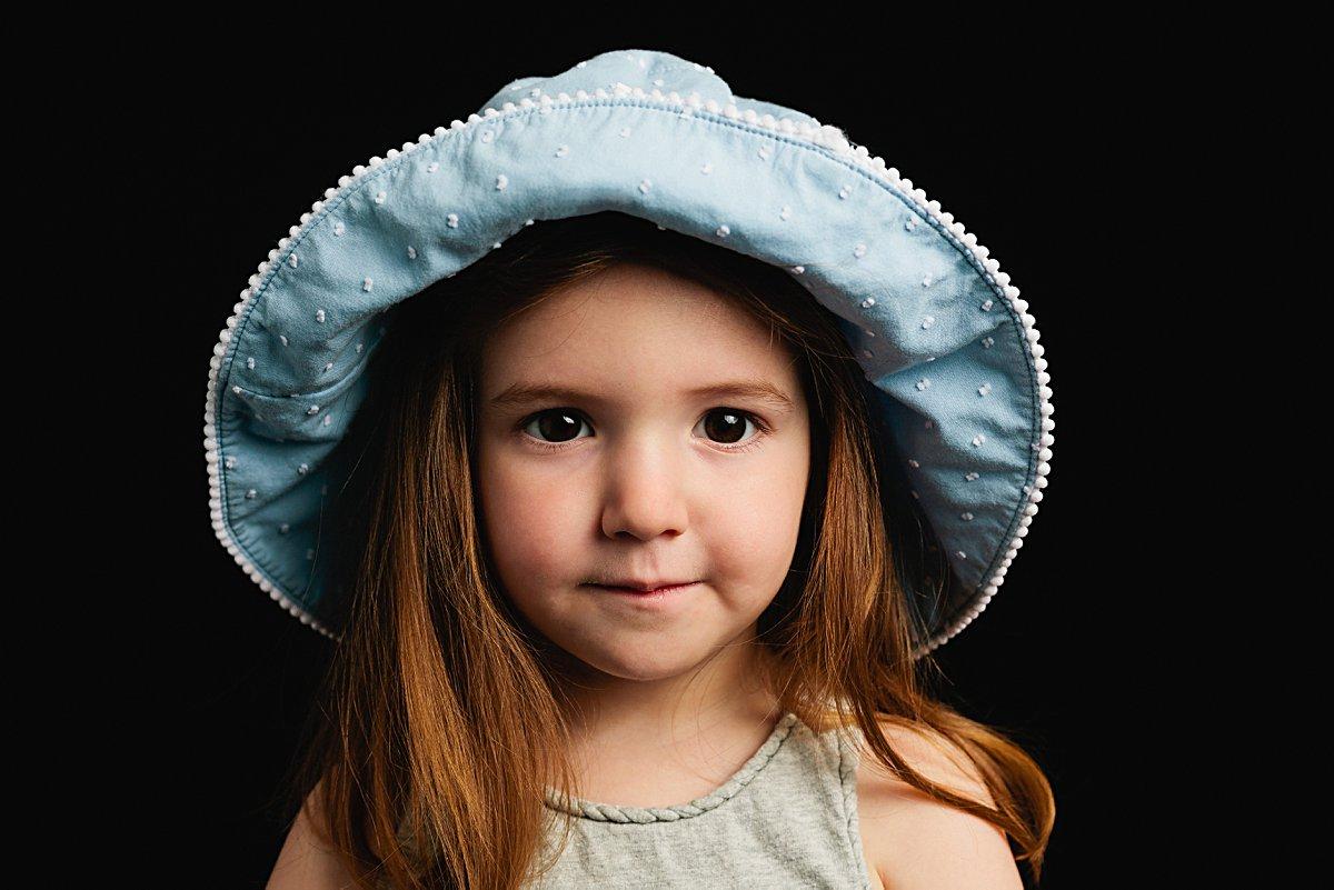girl in school photo
